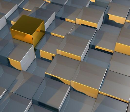 metalen kubussen