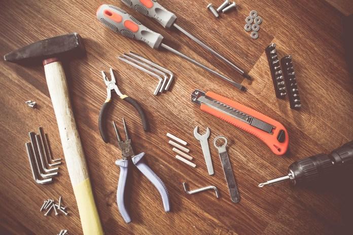bouw gereedschap montage hamer tang stanleymes schroevendraaier sleutel