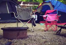 Camping tenten kamperen kampeerstoel