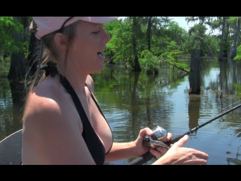 Can This Woman Outfish Her Hubby? Woman Vs Man Fishing