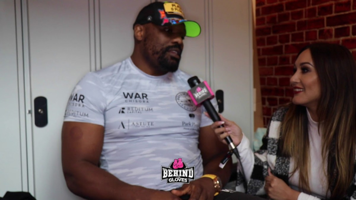 "[LOL] DERECK CHISORA TO MJP: ""PLEASE DON'T KISS ME!""/ ""WILDER HITS LIKE A MULE!""/ USYK MOVING UP"