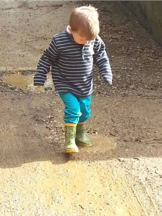toddler in puddles (1)