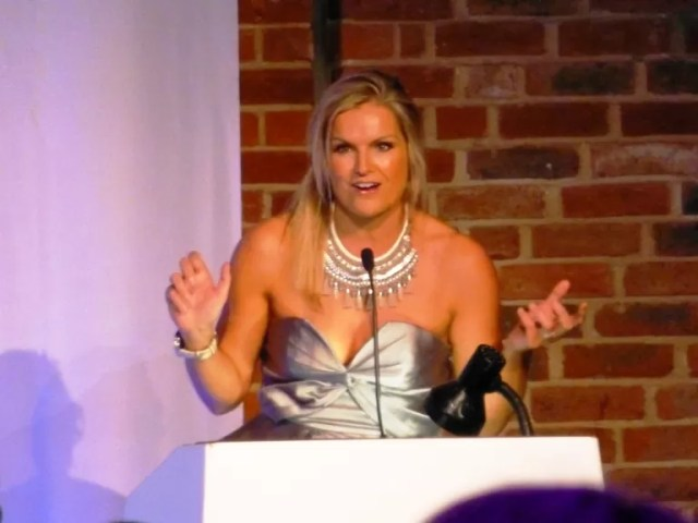 katy hill presenting bibs awards at britmums