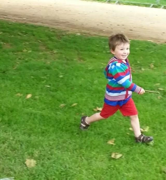 running-in-meadows.