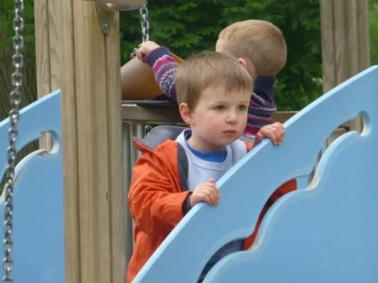stratford-playgroun-watching-children-play.