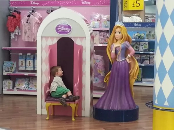 sunday photo meeting a disney princess in Asda