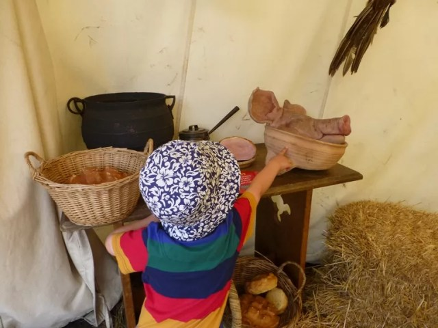 medieval food - spot the farmer's son