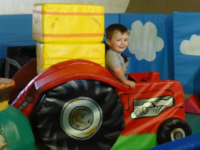 tractor soft play at cogges farm museum
