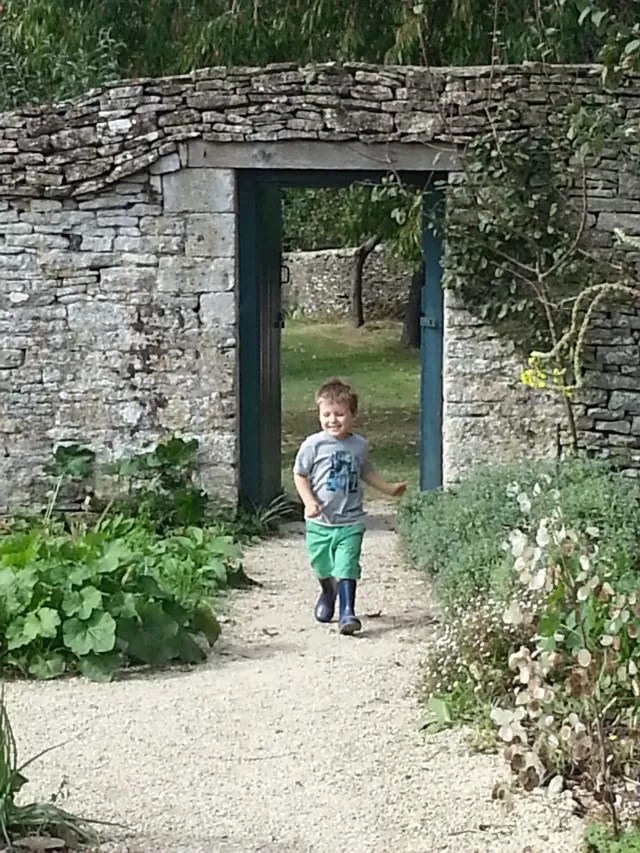 walled garden at cogges farm
