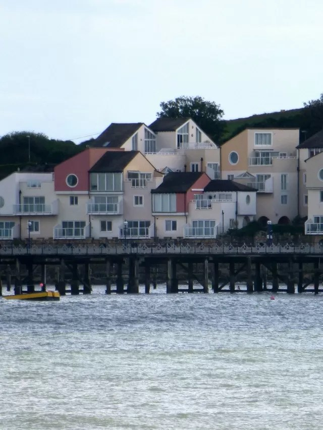 swanage sea front houses c