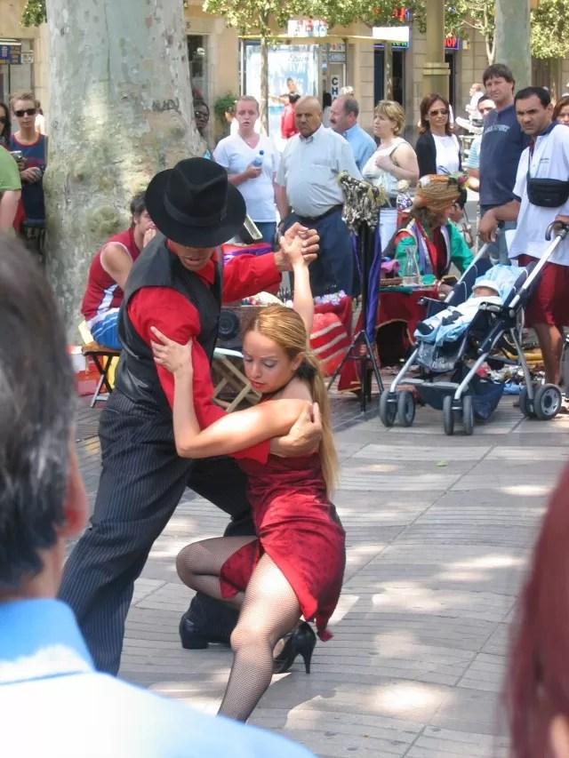 tango dancers las ramblas Barcelona - Bubbablue and me