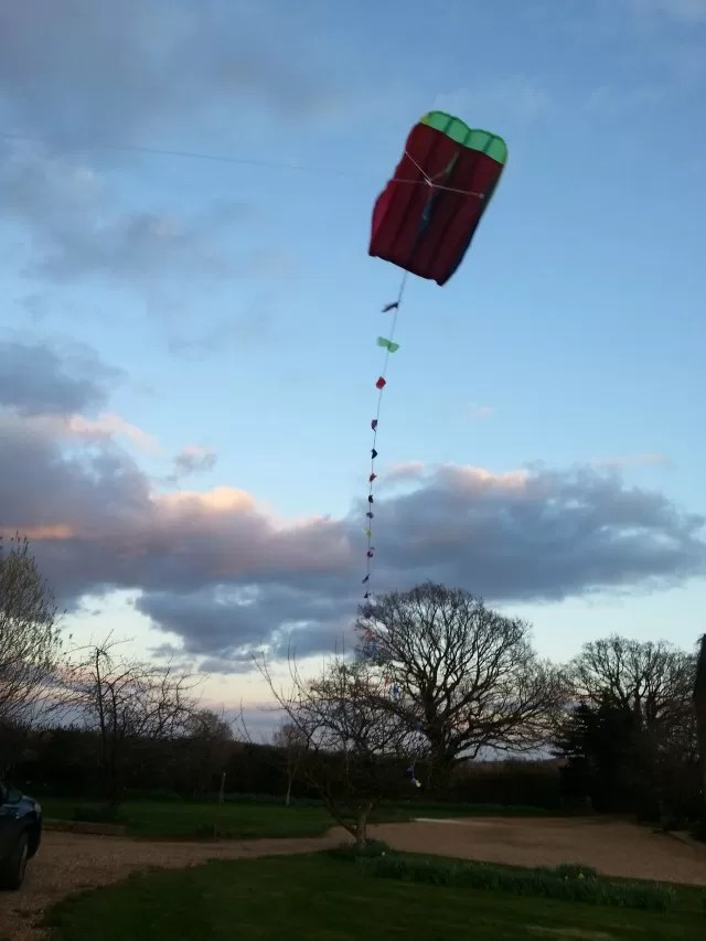 Flying a pocket kite