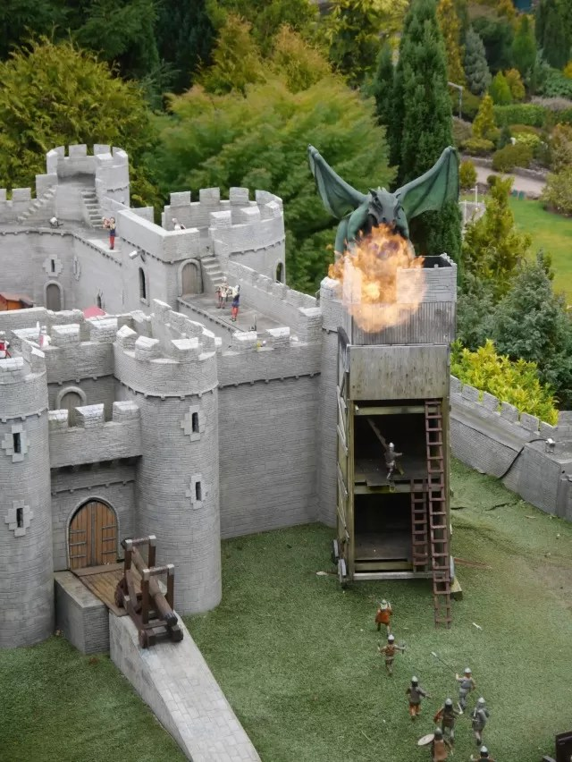 castle and dragon at Babbacombe model village