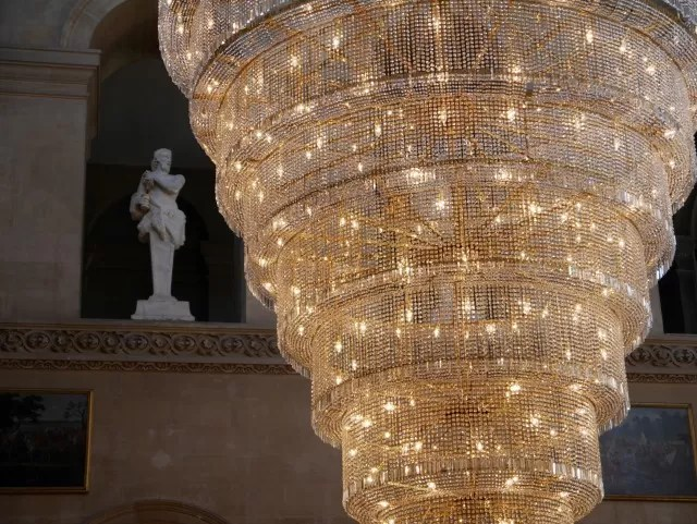 chandelier at blenheim palace hall