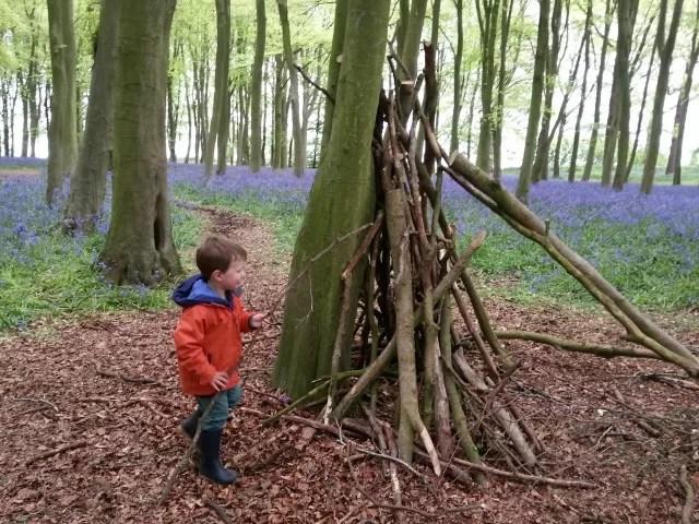 building a den in Badbury Hill
