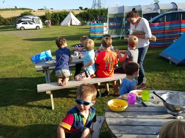 dinner time at the zoo (campsite)