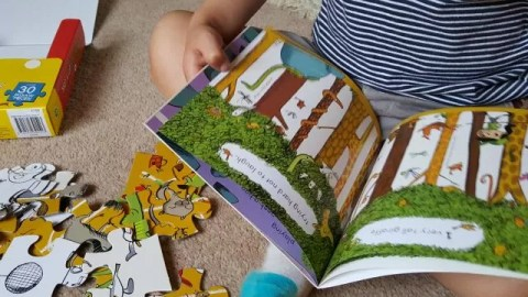Spot a Lot Animals jigsaw and book from Parragon Books