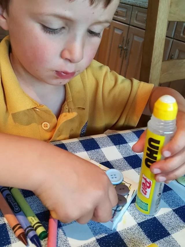 making button crafts