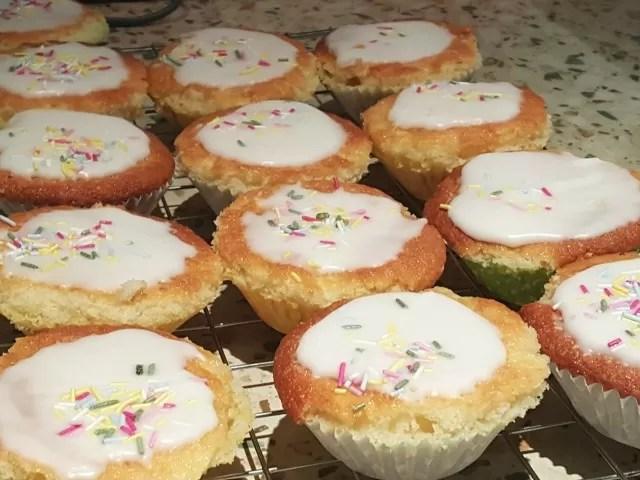 children in need cakes
