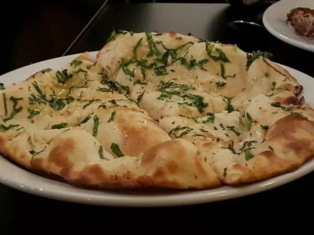 garlic naan at Wa Curry