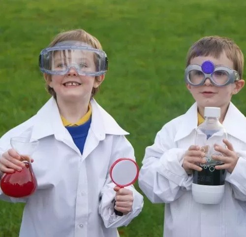 2 mad boy scientists