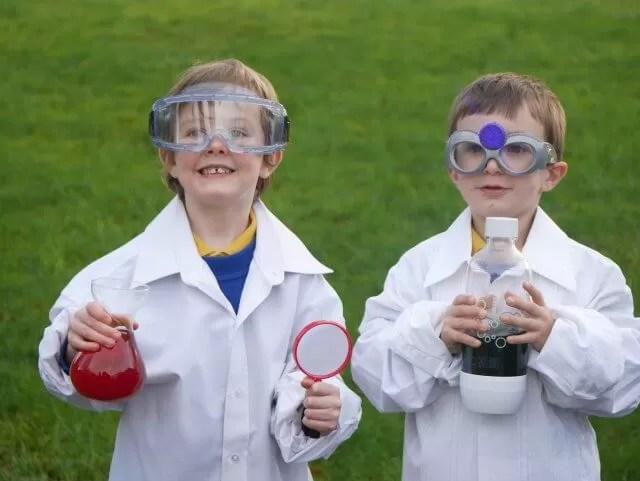 2 mad boy scientists