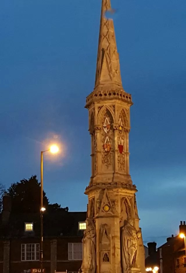 Banbury cross in the blue glow of sunset