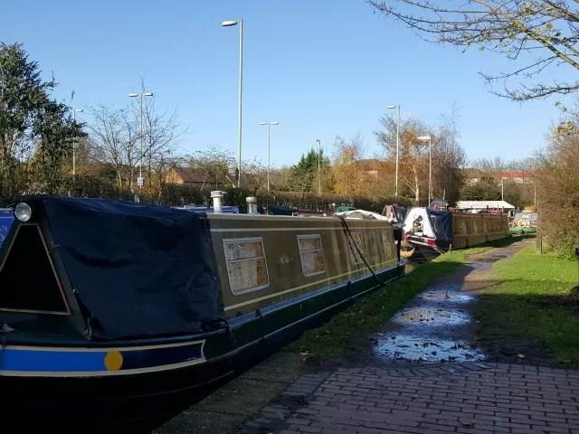 canalside walk in Banbury