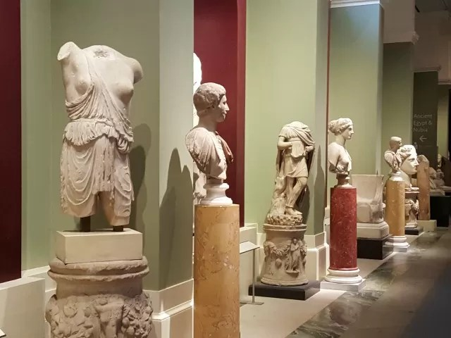 Ancient statues in the Ashmolean