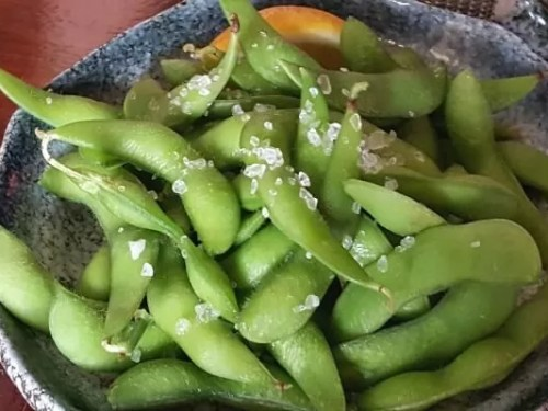 edamame - soy beans dish with salt