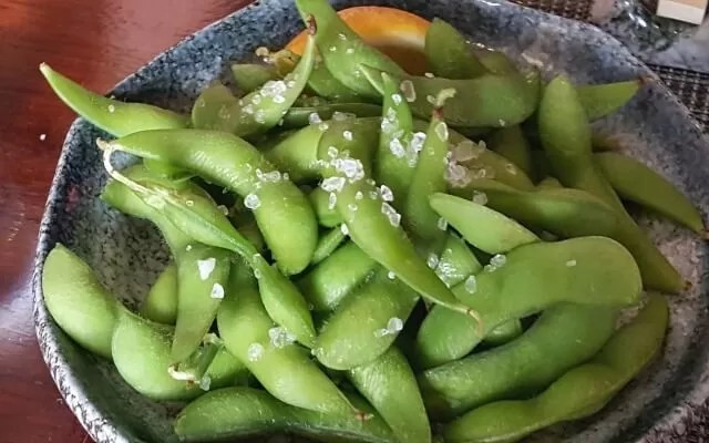 edamame - soy beans dish with salt
