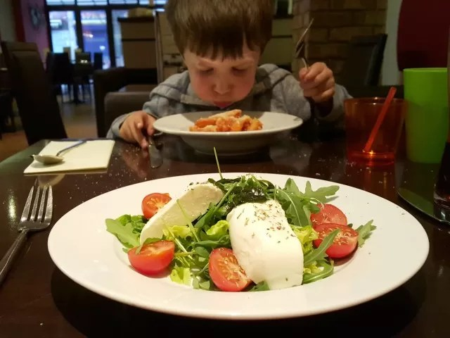 mozzarella salad at mo mambo