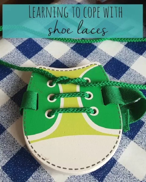 Learning to cope with shoe laces - Bubbablue and me