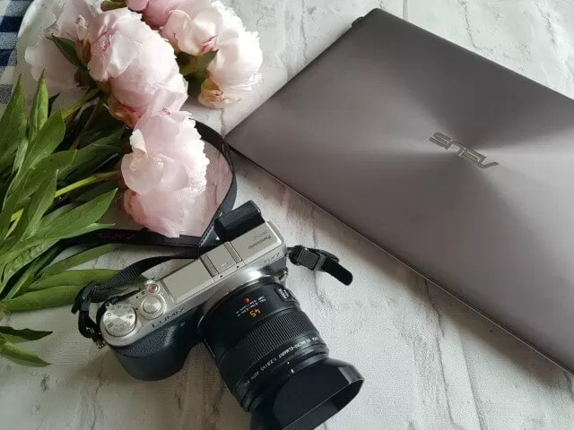 Blogging essentials and instagram