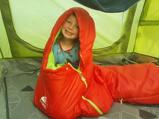 Kids sleeping bag caterpillar