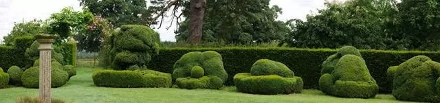 formal garden at Chastleton house