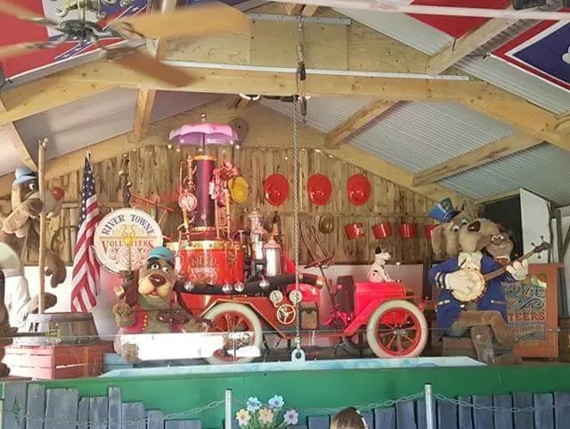 musical animal display at watermouth castle