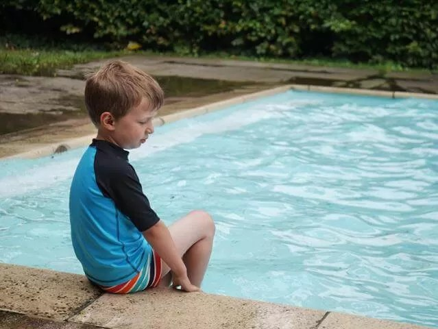 overlooking the paddling pool