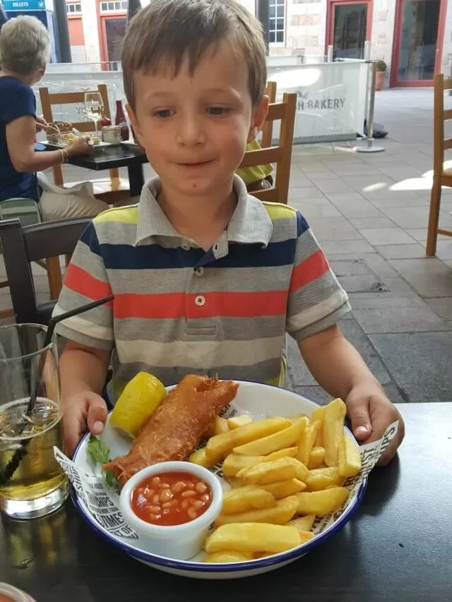 kids-fish-and-chips-at-seafish-cafe