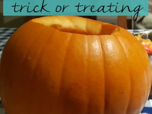 explaining-no-trick-or-treating-bubbablue-and-me