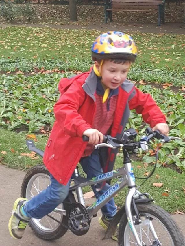 bike-riding-int-he-park