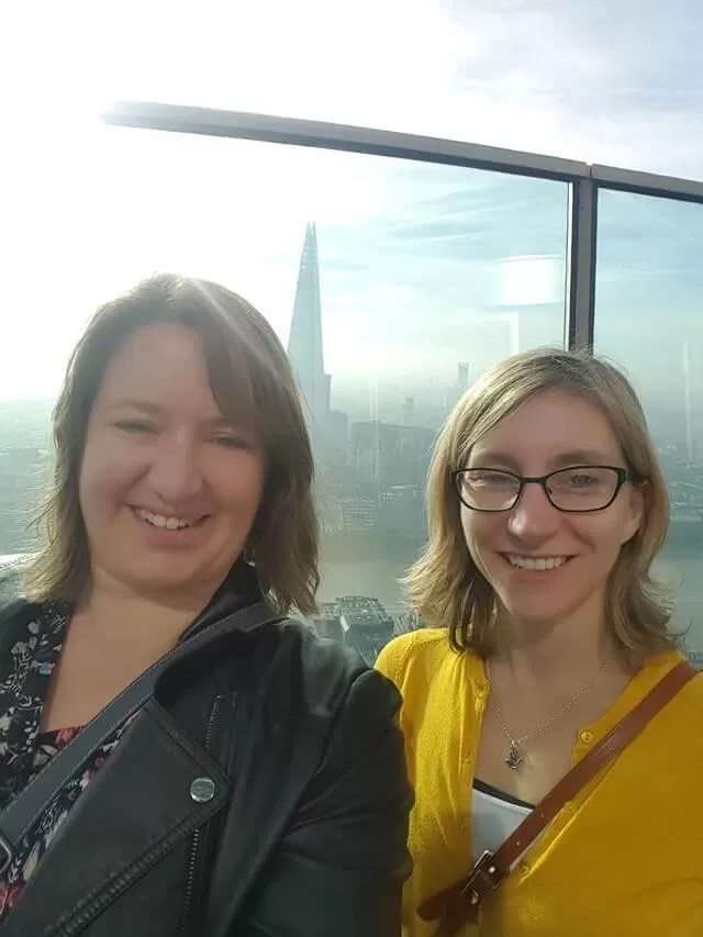 selfie-in-fromt-of-the-the-shard