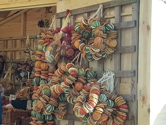 dried citrus wreaths at St Albans christmas market