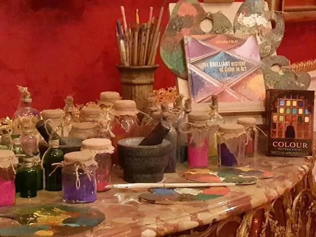 paint display at waddesdon