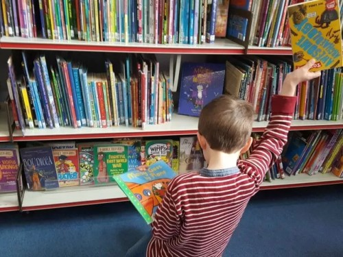 Living Arrows 2017 week 12 - library choices