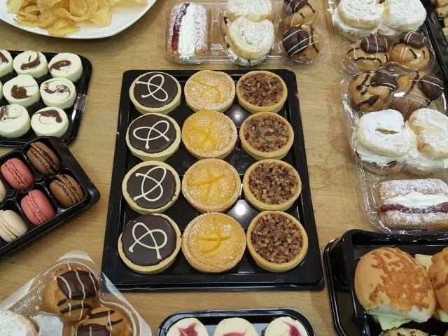 Nibbles at hotter shoes event