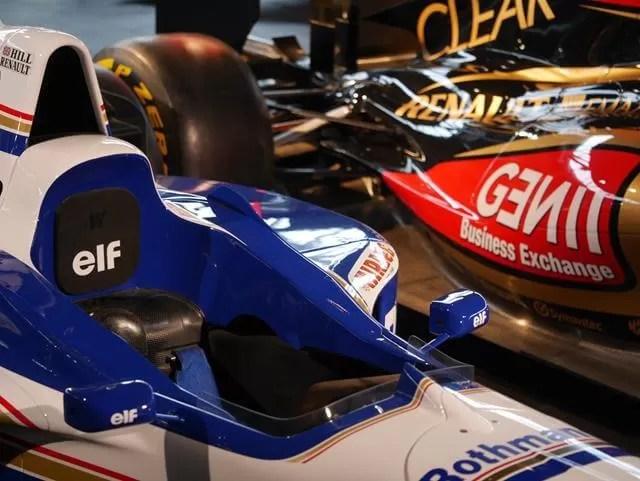 racing cars at beaulieu