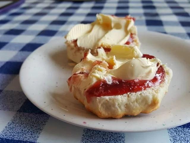 jam and cream scones