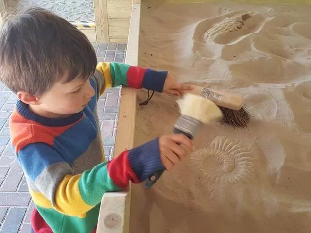fossil hunting at Dinosaur adventure