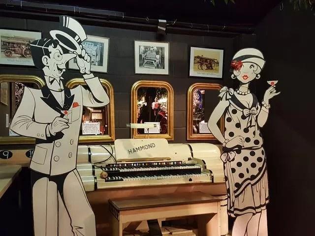 vintage keyboard at thursford
